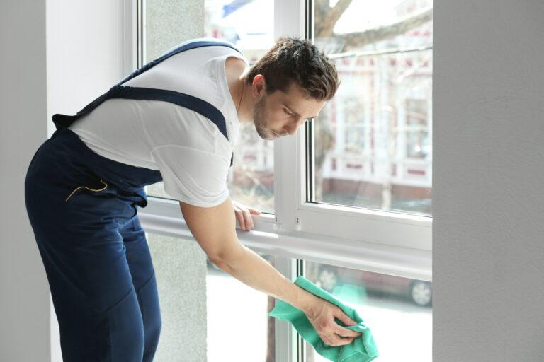 Fensterreinigung und Glasreinigung vom Fensterputzer in Düsseldorf und Umgebung _ Scharif Gebäudedienstleistungen